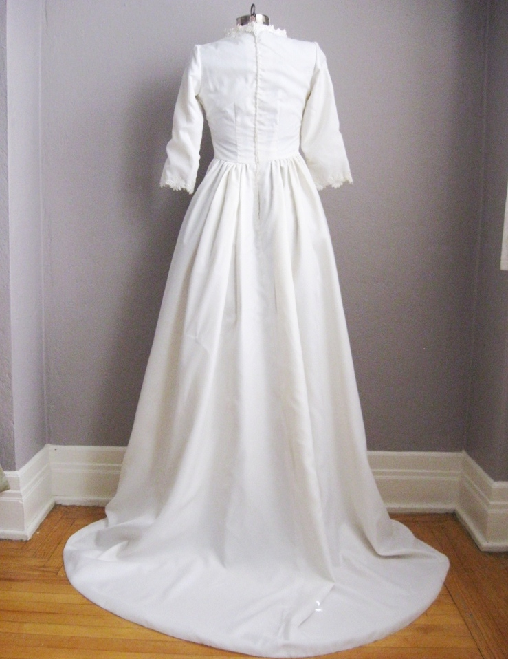 Vintage 1960s Chapel Train Wedding Gown | Vintage Logic
